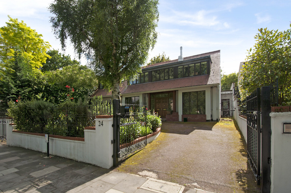 Family Home With Swimming Pool And Gym In Stanhope Road N6 Becky Beach