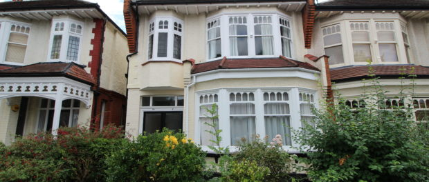 Palmers Green property to let