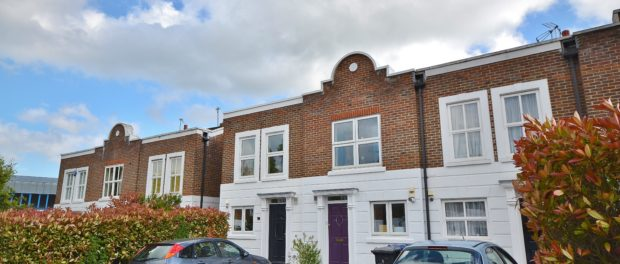 EN5 property to let